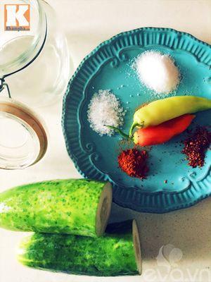 Dưa chuột muối chua cay chống ngán ngày Tết