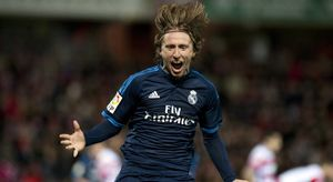 Granada 1-2 Real Madrid: Nổ tung vì Modric