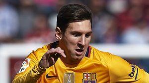Thiên tài Messi mất oan bàn thắng trong trận Levante 0-2 Barca