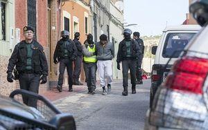"""Nhiều đối tượng tuồn """"hàng"""" cho IS và al-Qaeda bị Tây Ban Nha bắt"""