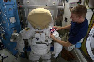 5 điều xảy ra với cơ thể bạn khi ở ngoài không gian