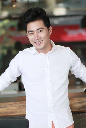 Diễn viên Khôi Trần: 'Tôi thích bạn gái giống Đặng Thu Thảo'