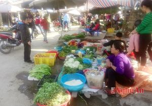 Chợ quê mở hàng từ mồng 2 Tết