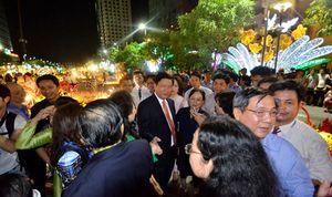 Bí thư thành ủy 'selfie' và chuyện gần dân, trọng dân của tân lãnh đạo