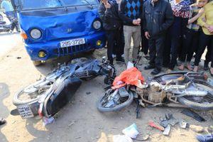 Hà Nội: Xe tải mất lái, 9 người thương vong
