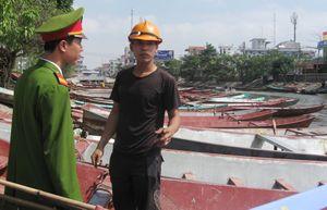 Cảnh sát hình sự giữ 9 cò mồi chùa Hương