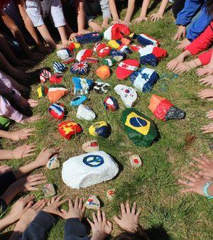 Tây dạy trẻ em về thế giới phẳng như thế nào?
