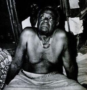 Vị vua cùng lúc mất 750 người vợ và nỗi đau không nói nên lời
