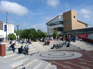 Học bổng ĐH, sau ĐH nhiều trường ở Anh
