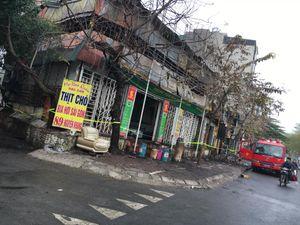 Cháy lớn tại cửa hàng bán thịt chó khiến nhiều người hoảng loạn