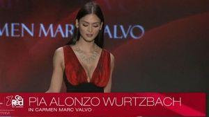 Tân hoa hậu Hoàn vũ 2015 nóng bỏng trên sàn catwalk