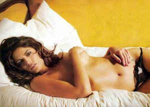 Cecilia Bonelli – đóa hồng nóng bỏng xứ Tango
