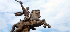 Vua Quang Trung đánh Thăng Long không suôn sẻ như sử viết?