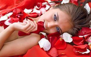 Tận dụng các loại hoa trong Tết để làm đẹp