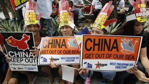 """Philippines xung kích """"đấu"""" Trung Quốc về Biển Đông"""