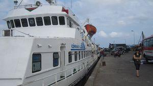 Một hành khách trên tàu Côn Đảo 10 bất ngờ rơi xuống biển