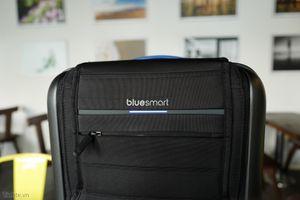 Trên tay Bluesmart: vali thông minh mở khóa bằng điện thoại, định vị GPS, tích hợp pin và cân