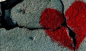 10 tình khúc bất hủ buồn nhất nên tránh ngày Valentine