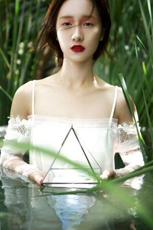'Hot girl trà sữa Việt' đẹp mát mắt giữa đồng lúa non