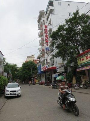 """Khách sạn tư nhân """"xuất chiêu"""" chặt chém tại lễ hội Festival Huế"""