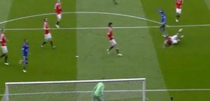 Hòa M.U 1-1, Leicester bỏ lỡ cơ hội nâng cúp vô địch trên Old Trafford