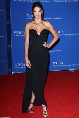 Kendall Jenner, Emma Watson cùng loạt mỹ nhân thế giới đọ sắc trên thảm đỏ