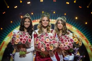 Cận cảnh vẻ đẹp của Hoa hậu Thế giới Slovakia 2016