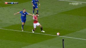 Leicester phải chờ Chelsea giúp sức để đăng quang vòng này