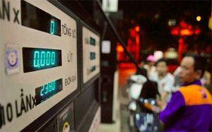 Doanh nghiệp xăng dầu kêu lỗ, giá xăng dự báo lại tăng