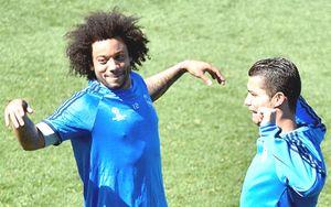 Chùm ảnh: Ronaldo vùi đầu tập luyện quyết xé lưới Man City