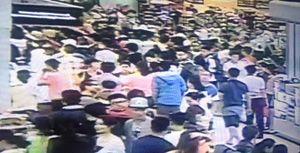 Nhân viên an ninh sân bay đánh hành khách Trung Quốc đã bị xử phạt