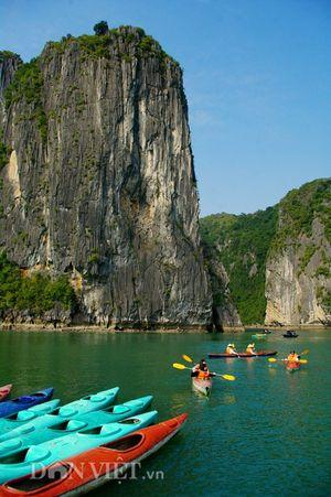 Chèo kayak tại Ba Hang - địa điểm quay 'bom tấn Skull Island'