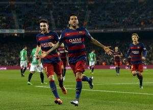 Dani Alves và Mascherano rời Barcelona, gia nhập Juventus?