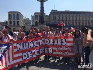 Fan Atletico cực đông, cực nhiệt lấn át NHM Real – Ảnh độc quyền từ BongDa.com.vn
