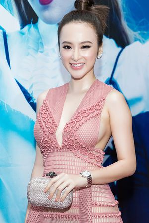 Angela Phương Trinh lộ nội y trên thảm đỏ sự kiện thời trang