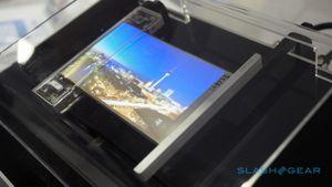 Samsung giới thiệu màn hình mỏng như tờ giấy, có thể cuộn
