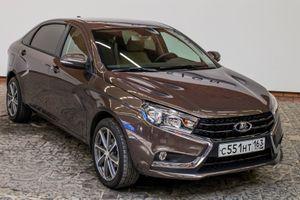 "Lada Vesta Signature - Xe limousine giá ""mềm"" cho doanh nhân"