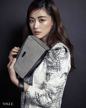 Quá đau vì bỏ lỡ 'Hậu Duệ Mặt Trời', SBS chọn phim của Jeon Ji Hyun và Lee Min Ho không màng nội dung