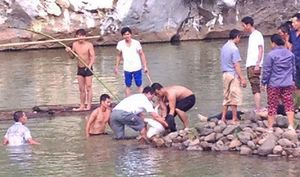 Rủ nhau tắm sông, 4 nữ sinh chết đuối thương tâm