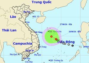 Áp thấp nhiệt đới mạnh lên khi vào quần đảo Hoàng Sa