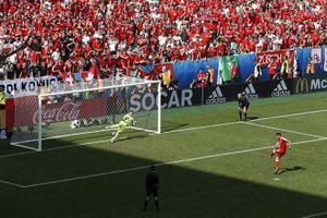 Cộng đồng mạng chế giễu tân binh của Arsenal vì đá hỏng penalty