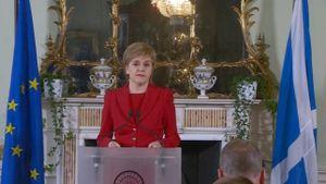 Anh 'vẽ đường' cho Scotland... chạy?