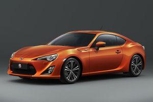 Top 10 xe hơi ít được ưa chuộng nhất tại Việt Nam