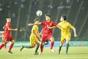 Clip U16 Việt Nam 'vuột vàng' trên chấm 11m trước Australia