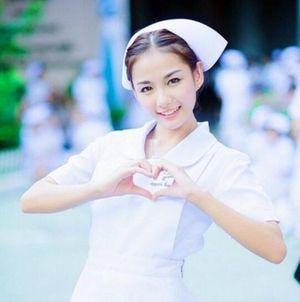 Nữ y tá xinh đẹp nhất Thái Lan 'đốn tim' dân mạng