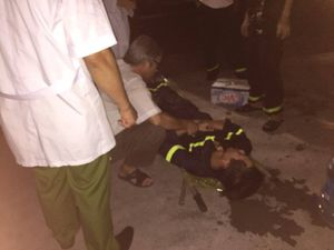 Hàng trăm cảnh sát chữa cháy xưởng sản xuất nến