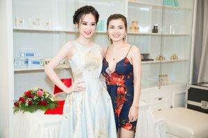 Angela Phương Trinh rạng rỡ tại Đà Nẵng