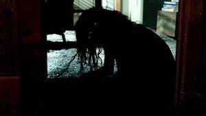 Lights Out – Hãy biết sợ bóng tối!