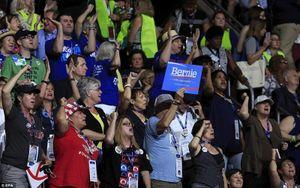 Náo loạn trong ngày đầu Đại hội toàn quốc Đảng Dân chủ