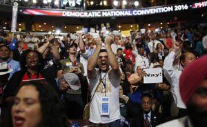 Chia rẽ sâu sắc trong ngày khai mạc đại hội đảng Dân chủ Mỹ